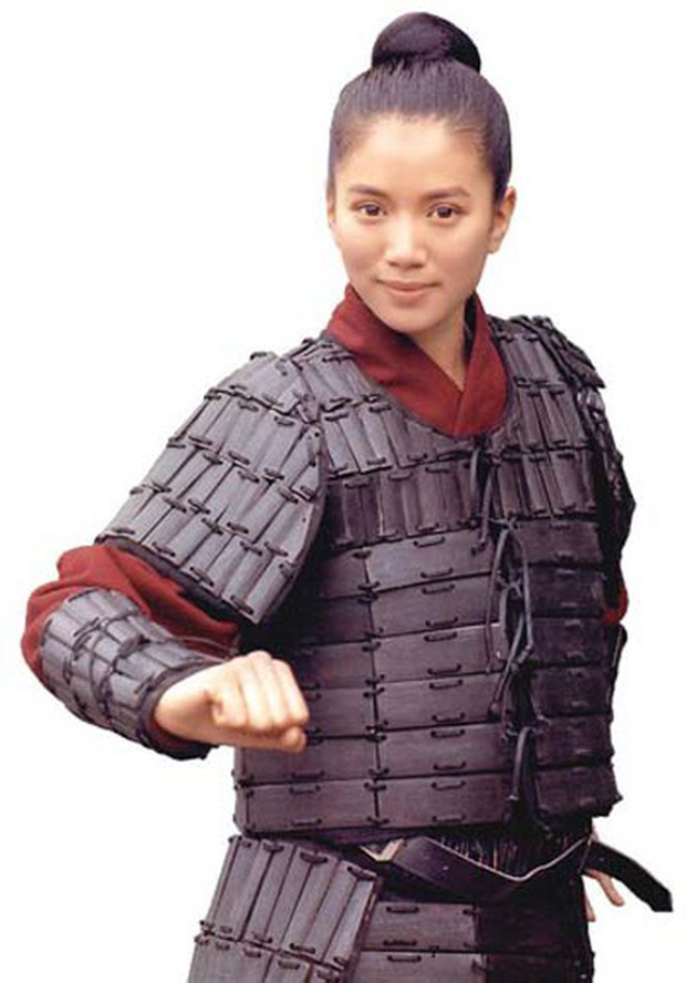 Nhìn Mulan Lưu Diệc Phi đánh võ, bỗng dưng Triệu Vy bị gọi hồn cùng một loạt tranh cãi - Ảnh 8.