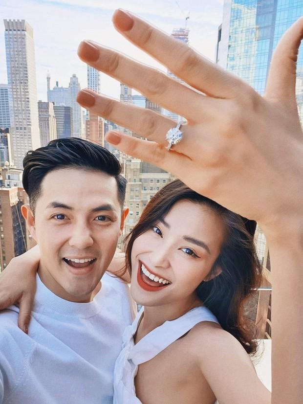 Hoa hậu Đặng Thu Thảo, Ngô Kiến Huy cùng dàn sao Việt đồng loạt chúc mừng Đông Nhi - Ông Cao Thắng chuẩn bị về một nhà - Ảnh 1.