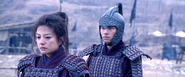 Nhìn Mulan Lưu Diệc Phi đánh võ, bỗng dưng Triệu Vy bị gọi hồn cùng một loạt tranh cãi - Ảnh 11.
