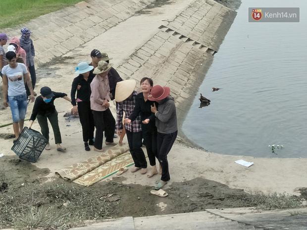"""Tang thương vùng quê Hải Dương nơi 3 học sinh đuối nước: """"Cùng một lúc tôi mất đi 3 đứa cháu nội"""" - Ảnh 7."""