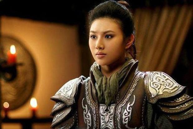 Nhìn Mulan Lưu Diệc Phi đánh võ, bỗng dưng Triệu Vy bị gọi hồn cùng một loạt tranh cãi - Ảnh 9.