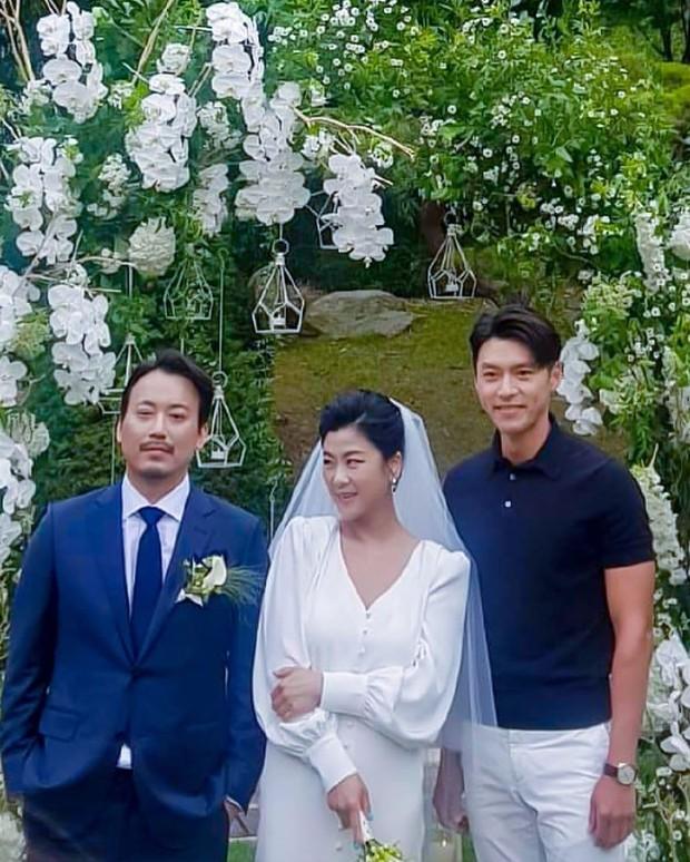 Đám cưới gây bão hội tụ 3 sao Hàn quyền lực: Hyun Bin bảnh bất chấp mọi camera, Gong Hyo Jin sexy bên Shin Min Ah - Ảnh 5.