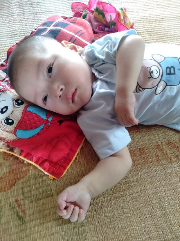 Con trai lớn 5 tuổi mắc bệnh tim, đứa bé 1 tuổi liệt tứ chi, người mẹ nuốt nước mắt cầu xin một cơ hội để cứu con - Ảnh 7.