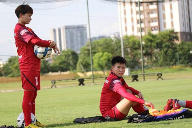 U15 Việt Nam tập buổi đầu tiên tại Nhật Bản, đội tuyển nữ đón tin vui từ các cầu thủ trụ cột - Ảnh 2.
