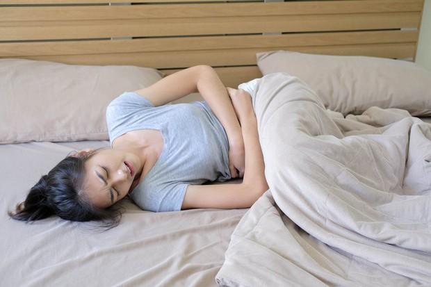 3 dấu hiệu mà nhiều người thường nhầm lẫn giữa bệnh ung thư ruột và bệnh trĩ - Ảnh 3.