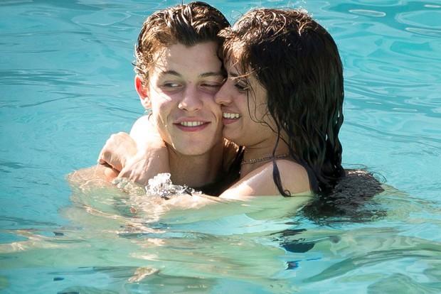 Lộ bằng chứng loạt khoảnh khắc tình-bể-bình của Shawn Mendes và Camila Cabello chỉ là chiêu trò PR cho Senorita? - Ảnh 3.