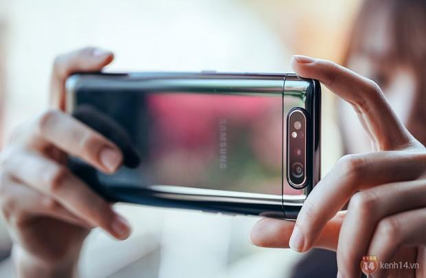 """5 tips phải biết để """"chụp đâu đẹp đó"""" với cụm camera xoay lật của Galaxy A80 - Ảnh 9."""