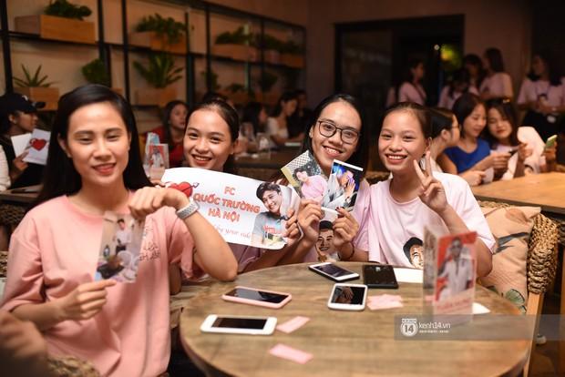 Diện vest trắng bảnh bao, Quốc Trường song ca cực ngọt cùng Bảo Thanh trong buổi offline đầu tiên tại Hà Nội - Ảnh 2.