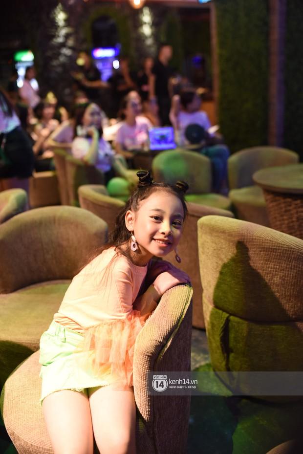 Diện vest trắng bảnh bao, Quốc Trường song ca cực ngọt cùng Bảo Thanh trong buổi offline đầu tiên tại Hà Nội - Ảnh 3.