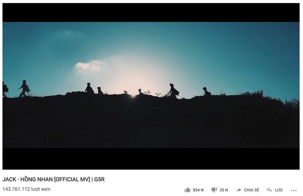 Jack và Quân A.P: Cùng bằng tuổi, cùng nổi lên từ MV triệu view trên Youtube nhưng xét trên nhiều yếu tố thì ai hơn ai? - Ảnh 7.