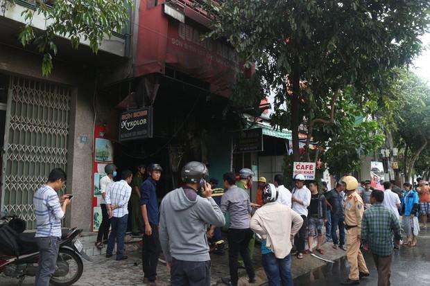 Cháy lớn tại văn phòng ở Đà Nẵng, nhiều tài sản bị thiêu rụi - Ảnh 1.