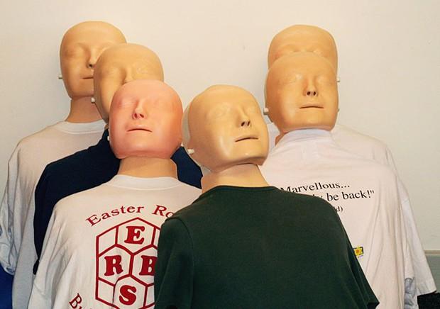 Khuôn mặt hình nộm được hôn nhiều nhất trong y tế hóa ra là nhân vật có thật, từng khiến nhân viên nhà xác ám ảnh suốt thế kỷ 19 - Ảnh 3.