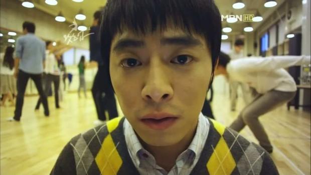 Jo Jung Suk: Đổi đời nhờ làm thầy giáo dạy hôn, phim nào có anh tham gia cứ an tâm móc tiền ra xem! - Ảnh 2.