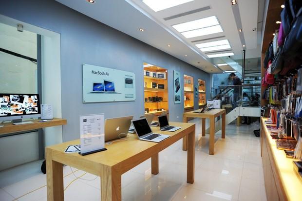 Người Việt cay đắng chi 4 triệu thuê dịch vụ bảo hành Macbook vì luật mới của Apple - Ảnh 1.