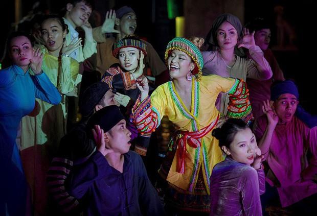 3 lần Hoàng Thùy Linh mang trang phục đậm văn hóa Việt vào MV ca nhạc: Đẹp mộng mị khiến người xem mãn nhãn - Ảnh 8.