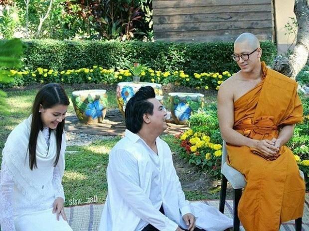 Dàn nam thần Thái siêu hot xuống tóc đi tu báo hiếu cha mẹ: Thay đổi ngoạn mục, gây sốt vì ngoại hình tự nhiên - Ảnh 13.