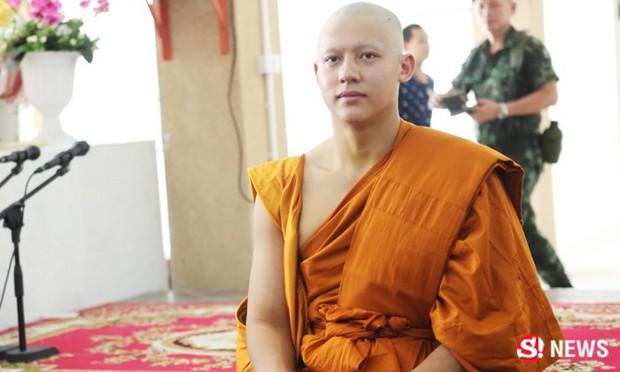 Dàn nam thần Thái siêu hot xuống tóc đi tu báo hiếu cha mẹ: Thay đổi ngoạn mục, gây sốt vì ngoại hình tự nhiên - Ảnh 18.