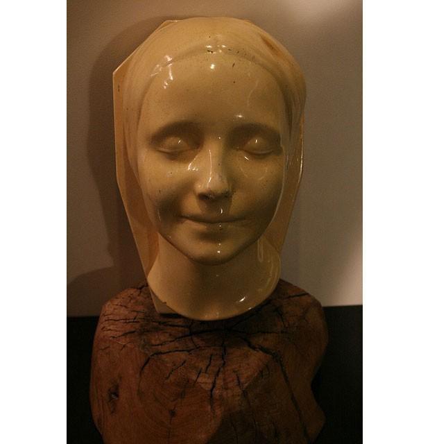 Khuôn mặt hình nộm được hôn nhiều nhất trong y tế hóa ra là nhân vật có thật, từng khiến nhân viên nhà xác ám ảnh suốt thế kỷ 19 - Ảnh 2.
