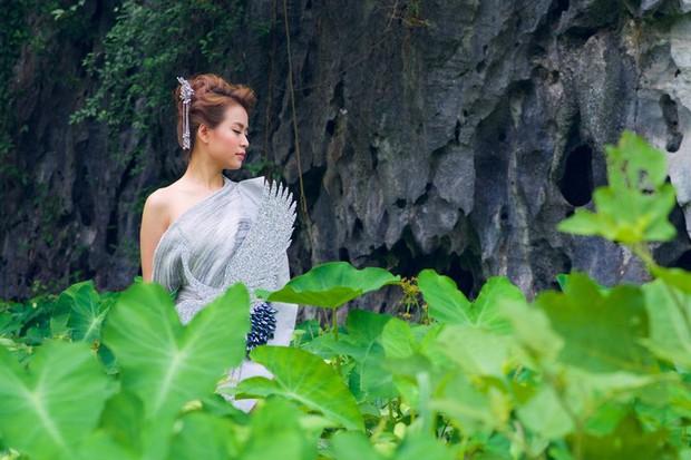 3 lần Hoàng Thùy Linh mang trang phục đậm văn hóa Việt vào MV ca nhạc: Đẹp mộng mị khiến người xem mãn nhãn - Ảnh 15.