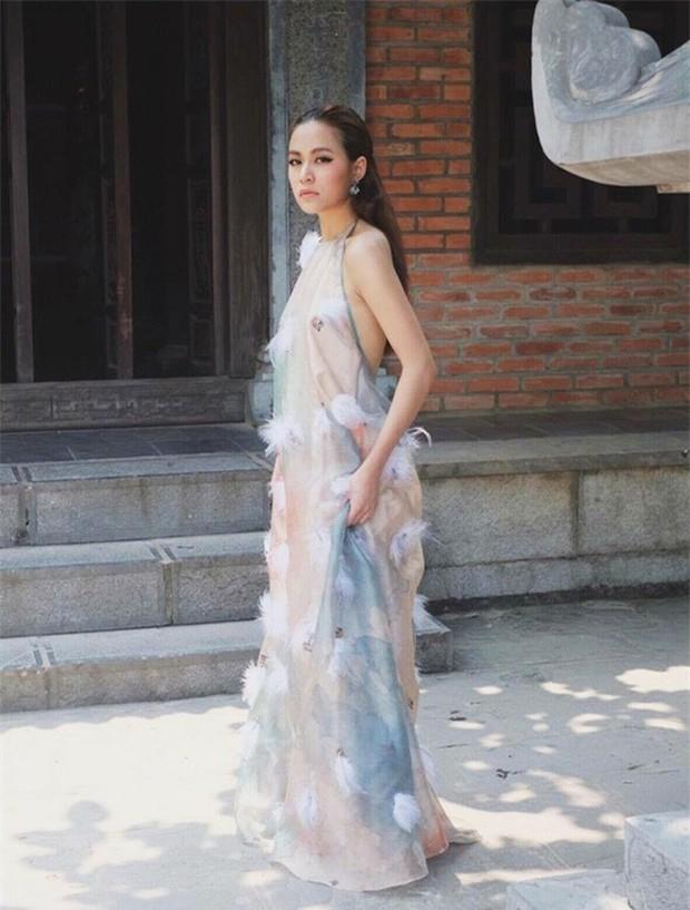 3 lần Hoàng Thùy Linh mang trang phục đậm văn hóa Việt vào MV ca nhạc: Đẹp mộng mị khiến người xem mãn nhãn - Ảnh 16.