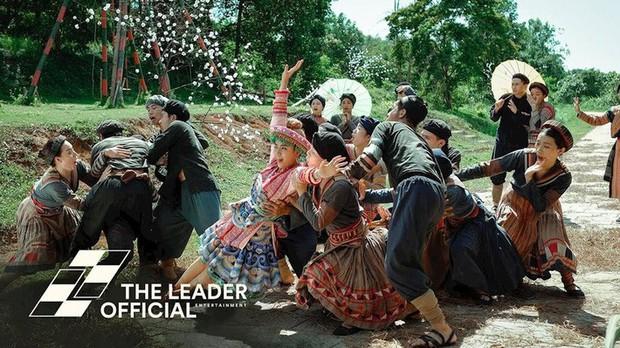 3 lần Hoàng Thùy Linh mang trang phục đậm văn hóa Việt vào MV ca nhạc: Đẹp mộng mị khiến người xem mãn nhãn - Ảnh 5.