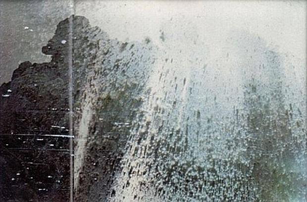 Loạt ảnh cuối cùng trước núi lửa: Câu chuyện về 2 nhiếp ảnh gia hi sinh cả tính mạng để bảo vệ những thước film quý báu của khoa học và nghệ thuật - Ảnh 1.