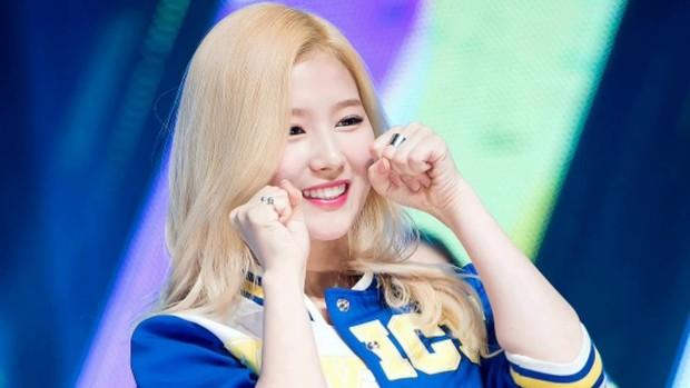 Nhìn lại siêu hit Cheer Up của TWICE, netizen mới giật mình: Đã lâu lắm rồi không có hit quốc dân nào nổi như vậy! - Ảnh 4.
