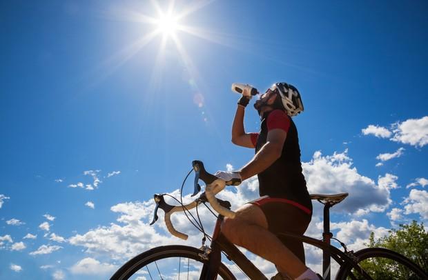 , Thay đổi cách thức uống nước để tránh gây tổn hại lượng đường huyết, tim, thận và dạ dày
