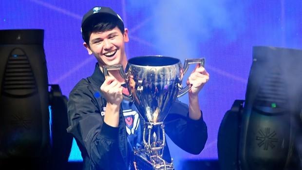 Vừa mới trao giải 30 triệu USD, Epic Games tiếp tục tổ chức giải đấu Fornite mới có giải thưởng hơn 230 tỉ đồng - Ảnh 1.