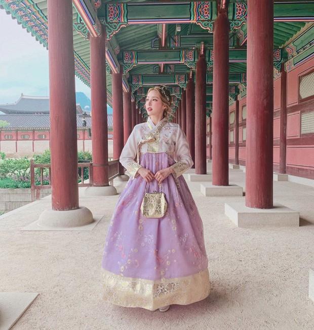 Nàng nào chuẩn bị đi Hàn phải ghim ngay cách makeup, làm tóc xinh như mộng của Pony để diện hanbok thật lung linh - Ảnh 1.