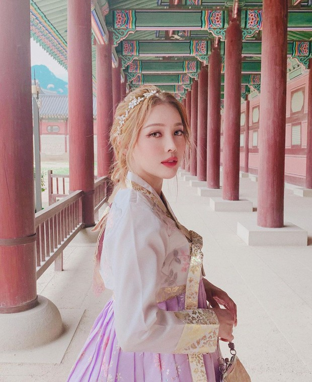 Nàng nào chuẩn bị đi Hàn phải ghim ngay cách makeup, làm tóc xinh như mộng của Pony để diện hanbok thật lung linh - Ảnh 3.