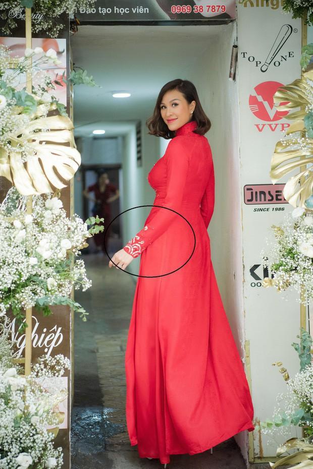 MC Phương Mai ôm bụng bầu hơn 5 tháng vẫn tự tin diện bikini khoe vóc dáng nuột nà bên chồng Tây - Ảnh 3.