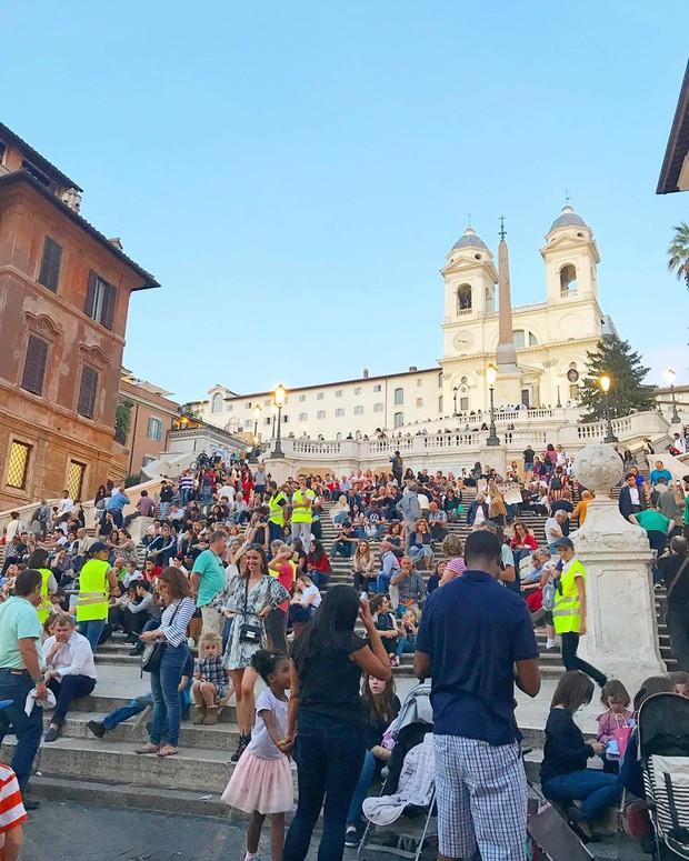 """Kỳ lạ """"bậc thang Tây Ban Nha"""" nhưng lại nằm ở Ý, luôn chật kín người lại có quy định phạt vô cùng khắt khe? - Ảnh 15."""