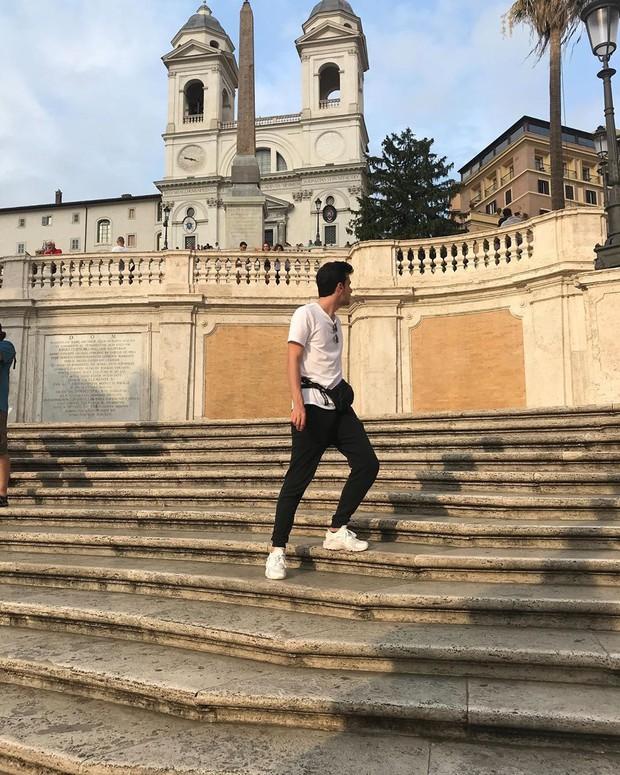 """Kỳ lạ """"bậc thang Tây Ban Nha"""" nhưng lại nằm ở Ý, luôn chật kín người lại có quy định phạt vô cùng khắt khe? - Ảnh 21."""