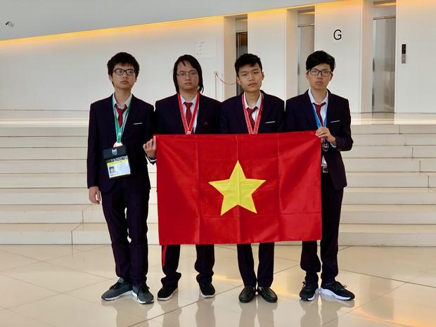 Việt Nam đứng thứ 4 kỳ thi Olympic Tin học quốc tế lần thứ 31 - Ảnh 1.