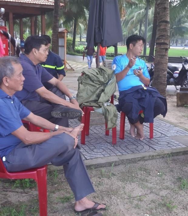Vụ khách du lịch chết đuối ở biển Bình Thuận: Nỗ lực tìm 2 người mất tích - Ảnh 3.