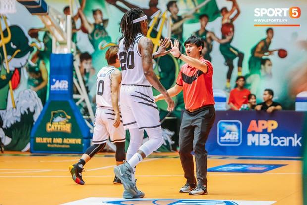 HLV Lê Trần Minh Nghĩa bật mí cách giúp Thang Long Warriors giành chiến thắng trước Cantho Catfish - Ảnh 4.