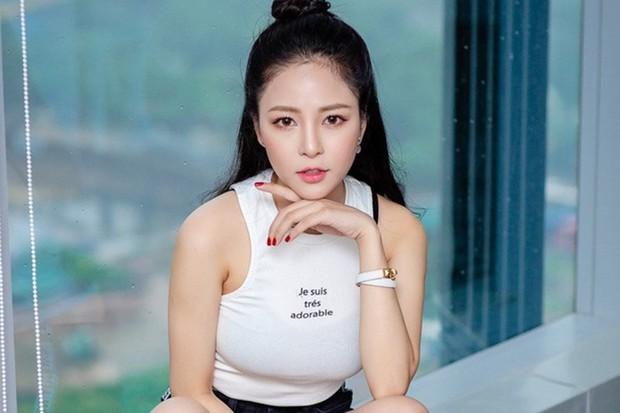 Đâu chỉ Jack Sóng gió mới bị tố thái độ học đòi chảnh choẹ như sao hạng A, hot girl Việt cũng không kém đó nha - Ảnh 2.