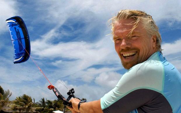 Nếu thời gian có quay trở lại, Richard Branson muốn nhắn nhủ bản thân: Đừng bao giờ coi khác biệt với số đông là khiếm khuyết, đó là tài sản lớn nhất giúp bạn thành công! - Ảnh 1.