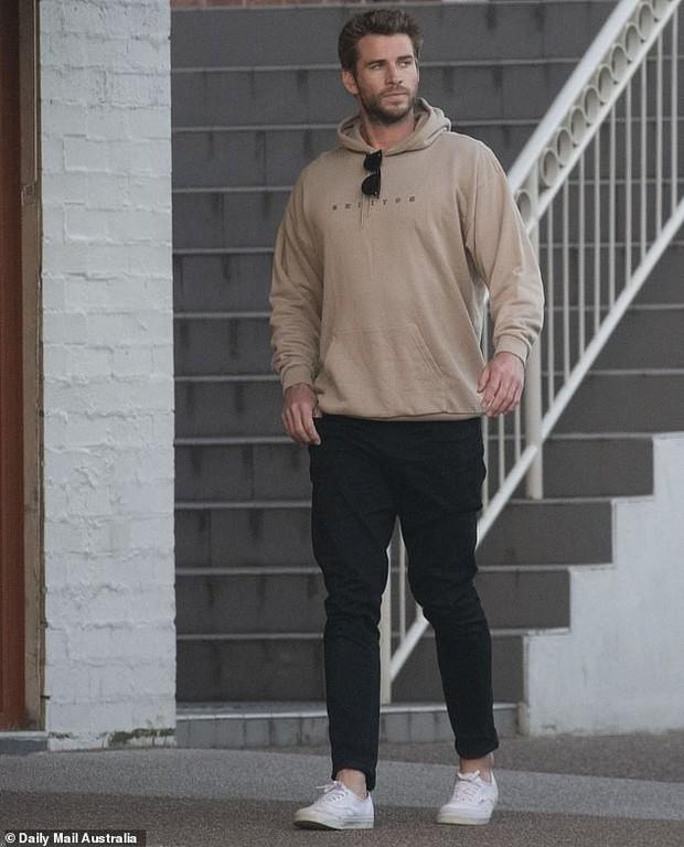 Liam Hemsworth cuối cùng cũng xuất đầu lộ diện hậu chia tay, câu trả lời phỏng vấn báo chí gây chú ý lớn - Ảnh 4.