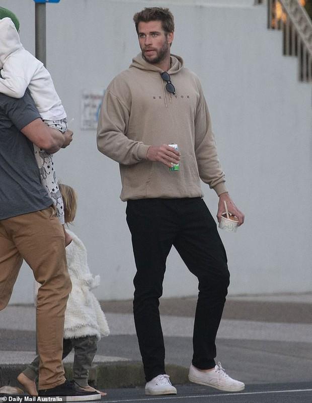 Liam Hemsworth cuối cùng cũng xuất đầu lộ diện hậu chia tay, câu trả lời phỏng vấn báo chí gây chú ý lớn - Ảnh 5.