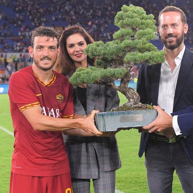 Đánh bại đội bóng cũ của Ronaldo, CLB top đầu nước Ý được trao chiếc cúp độc nhất vô nhị và đây là sự thật đằng sau - Ảnh 1.