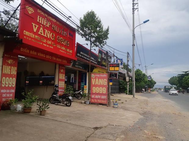 Hà Nội: Lợi dụng đêm mưa gió, kẻ gian đột nhập vào tiệm vàng trộm số tài sản trị giá 1,8 tỷ đồng  - Ảnh 1.
