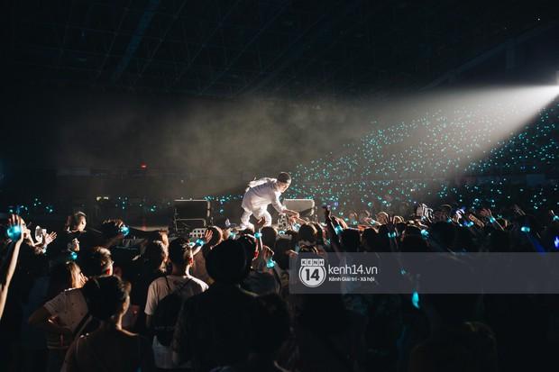 Đêm diễn cuối Sky Tour: Sơn Tùng M-TP chết trong sự ngọt ngào của Hà Nội, Justatee chiếm trọn trái tim Sky - Ảnh 4.