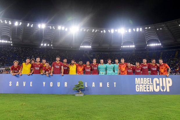 Đánh bại đội bóng cũ của Ronaldo, CLB top đầu nước Ý được trao chiếc cúp độc nhất vô nhị và đây là sự thật đằng sau - Ảnh 2.