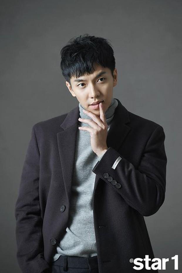 Ảnh tốt nghiệp của dàn tài tử hàng đầu Hàn Quốc: Nhan sắc thật được phơi bày, tài tử Người thừa kế gây sốc nhất - Ảnh 18.