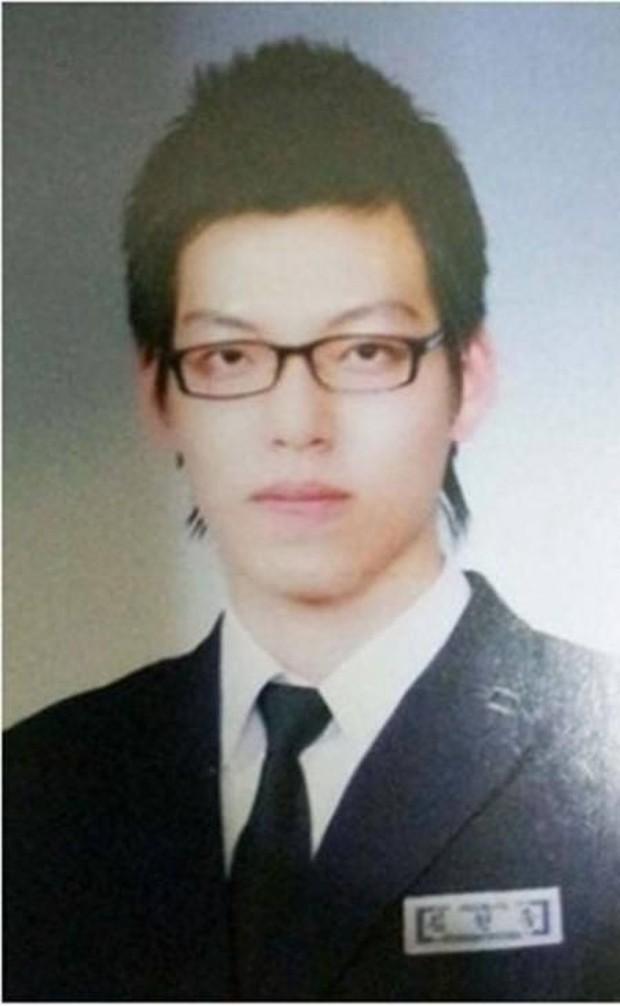 Ảnh tốt nghiệp của dàn tài tử hàng đầu Hàn Quốc: Nhan sắc thật được phơi bày, tài tử Người thừa kế gây sốc nhất - Ảnh 19.