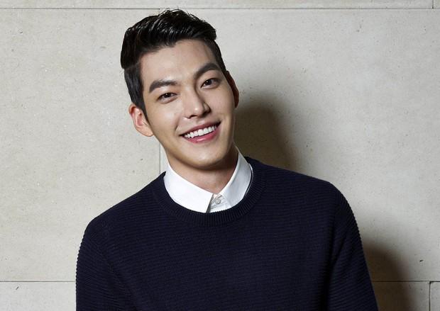 Ảnh tốt nghiệp của dàn tài tử hàng đầu Hàn Quốc: Nhan sắc thật được phơi bày, tài tử Người thừa kế gây sốc nhất - Ảnh 20.