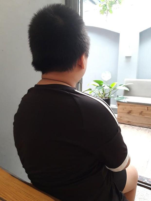 Nghi án bố cùng dì ghẻ bạo hành con trai dã man suốt nhiều năm ở Phú Thọ: Đốt túi bóng nhỏ vào mông, bắt nhặt cơm dưới đất lên ăn - Ảnh 1.