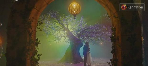 Hậu ghen lồng lộn vì crush suýt bị gả cho cháu gái tài phiệt, CEO IU và Yeo Jin Goo chính thức kết đôi trong tập 10 Hotel Del Luna - Ảnh 4.